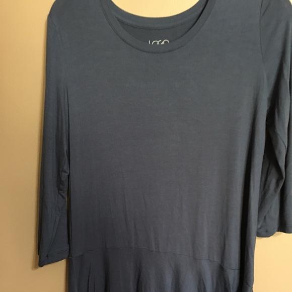 LOGO SM 3/4 sleeve med blue top asymmetric hem